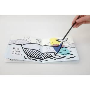 Livre de bain magique à colorier Colour Me Ocean - Wee Gallery