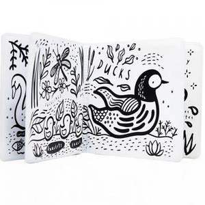 Livre de bain magique à colorier Colour Me Étang - Wee Gallery