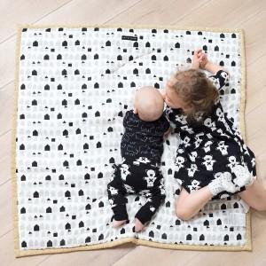 """Tapis de jeu réversible bébé en coton bio """"Explore"""" Wee Gallery"""