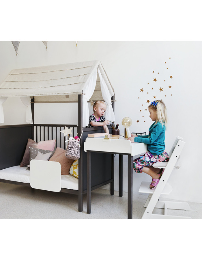 chaise haute tripp trapp en bois blanc stokke dr m design. Black Bedroom Furniture Sets. Home Design Ideas
